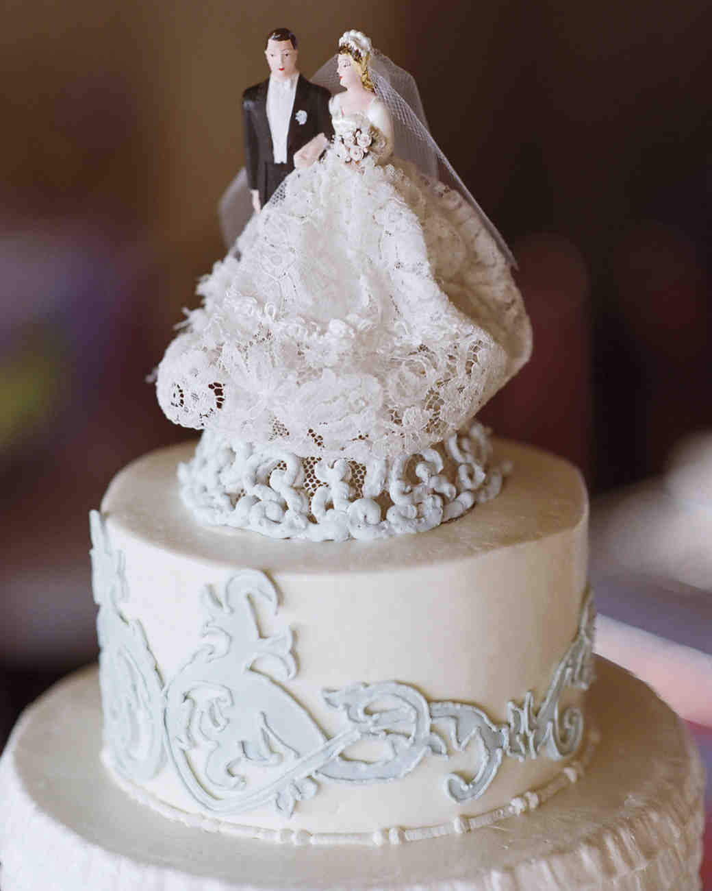 Wedding Cakes With Toppers  36 of the Best Wedding Cake Toppers
