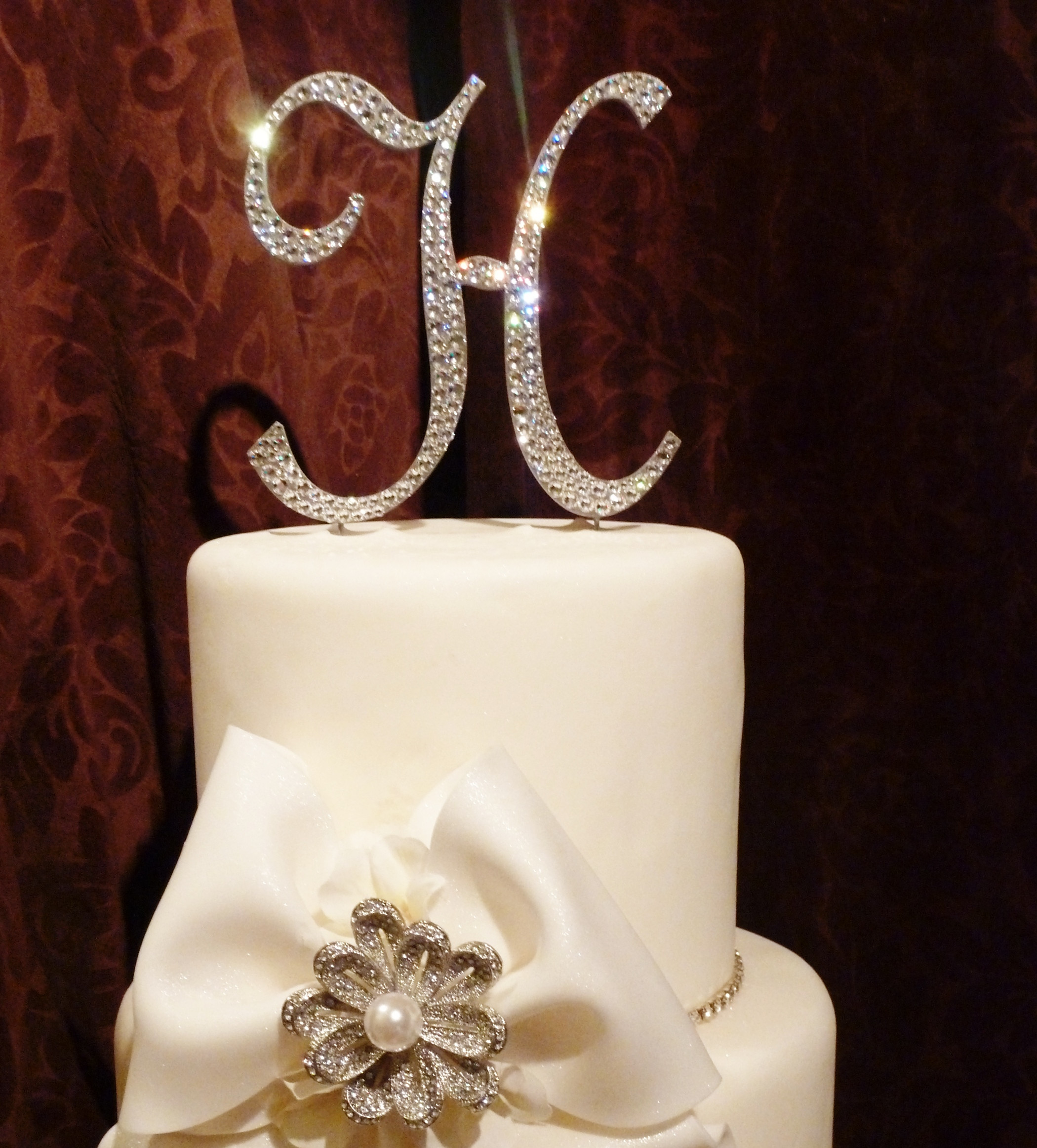 Wedding Cakes With Toppers  23 Unique Monogram Wedding Cake Toppers