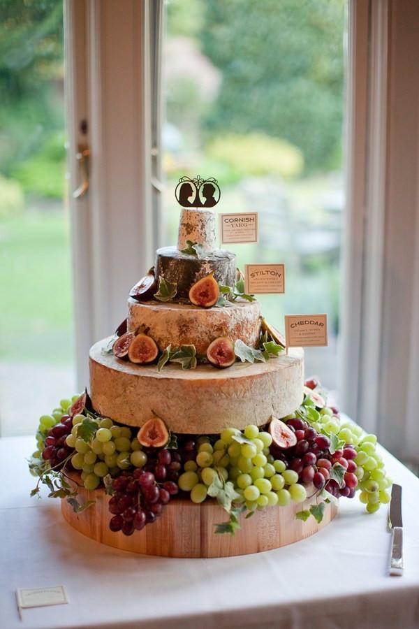 Wedding Cheese Cake  10 Tips for a Cheese Wheel Wedding Cake