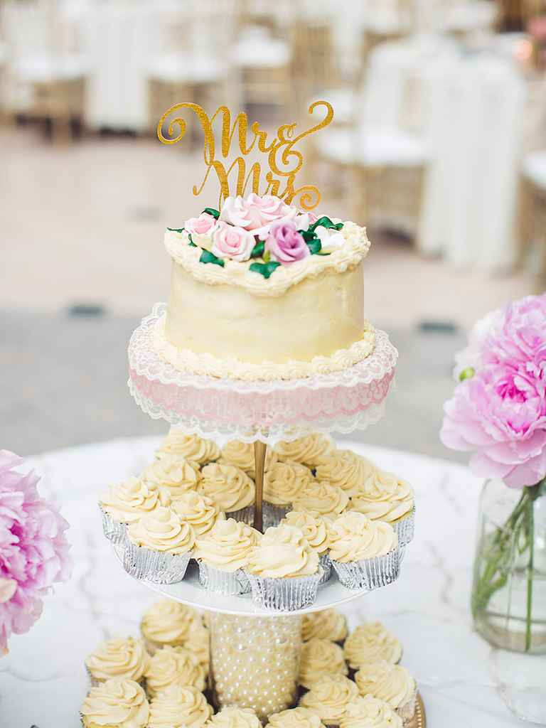 Wedding Cup Cakes Pictures  16 Wedding Cake Ideas With Cupcakes