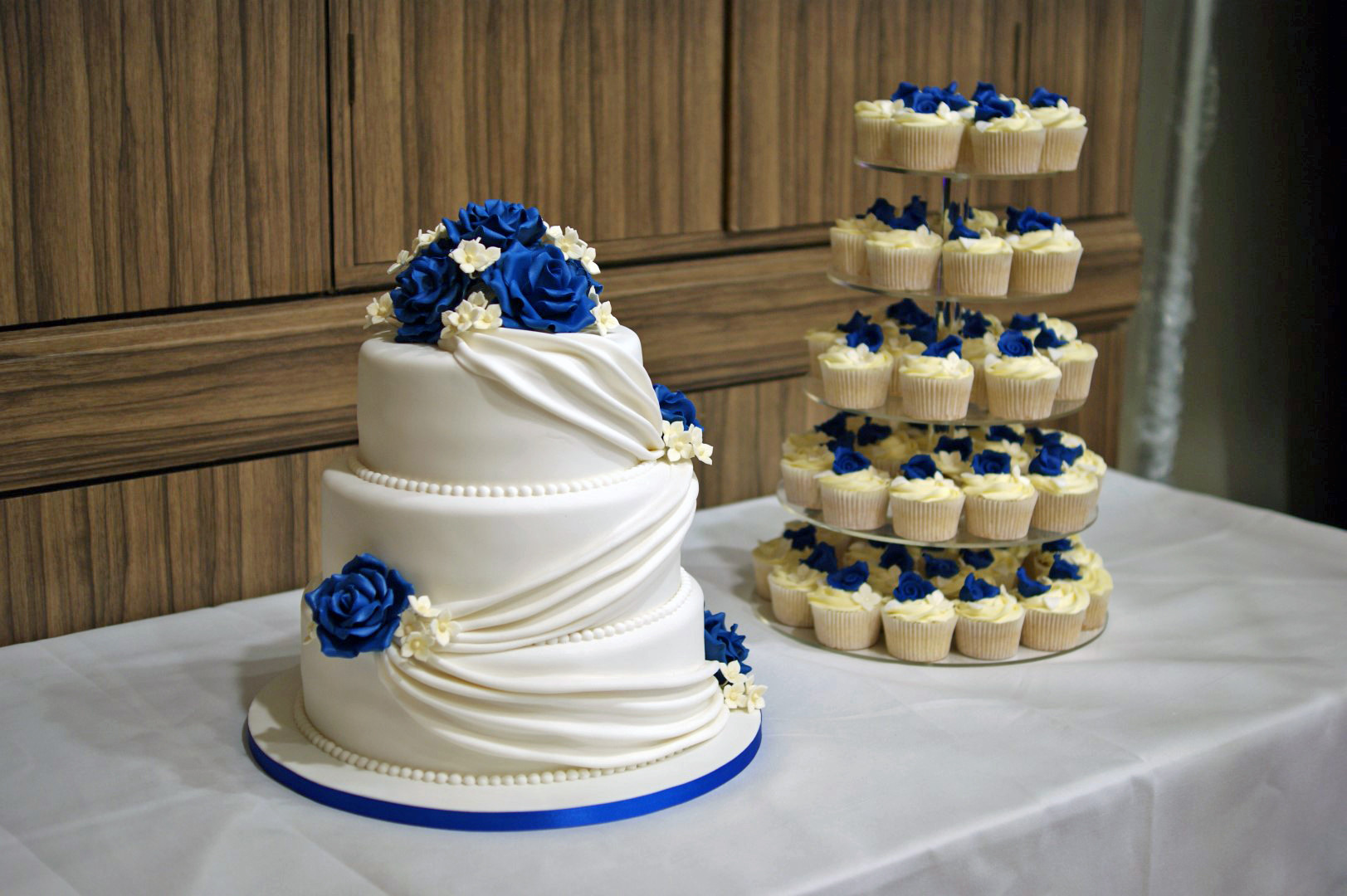 Wedding Cupcake Cakes  3 Tier Wedding Cake with Cupcake Tower Bakealous