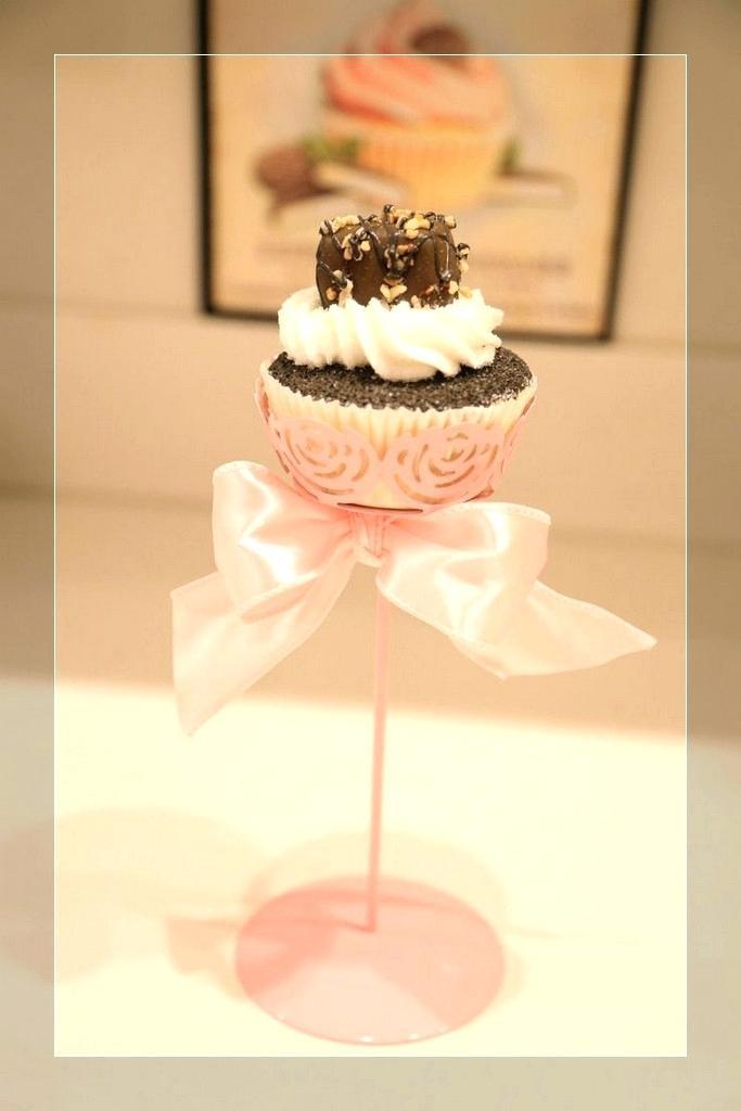 Wedding Cupcake Stand For 100 Cupcakes  Cupcake Stand For 100 Cupcakes Full Size Wedding Stand