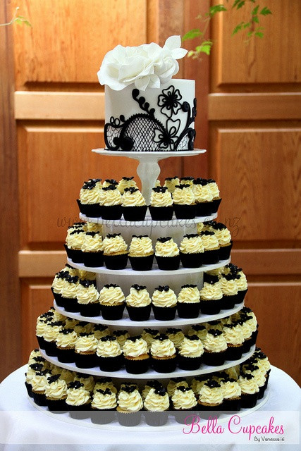 Wedding Cupcakes Towers  Black & white mini cupcake tower