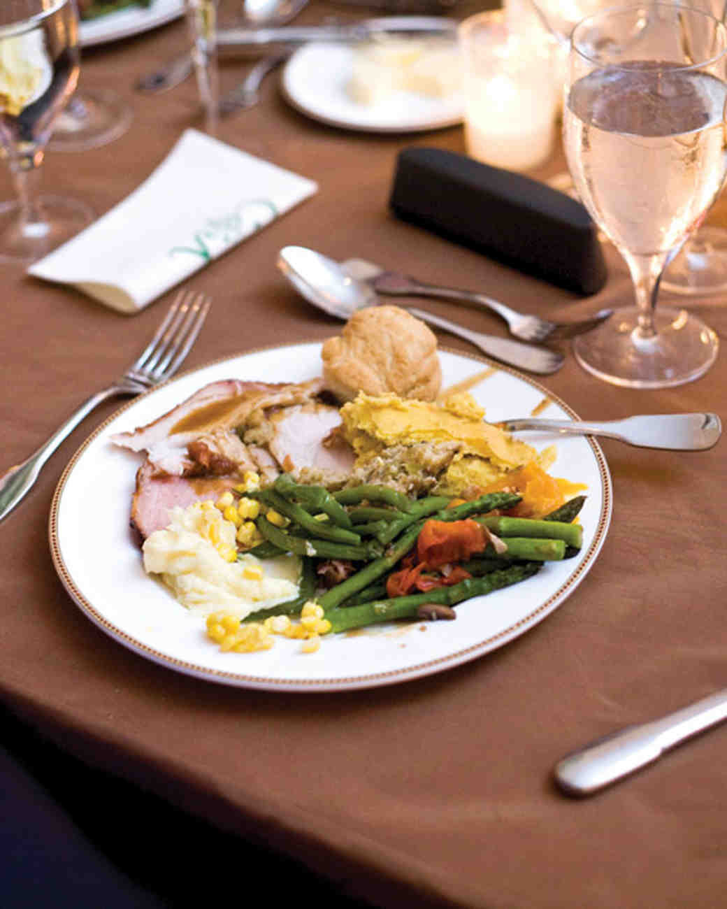Wedding Dinner Ideas  Cheap wedding ideas All about party for wedding Best