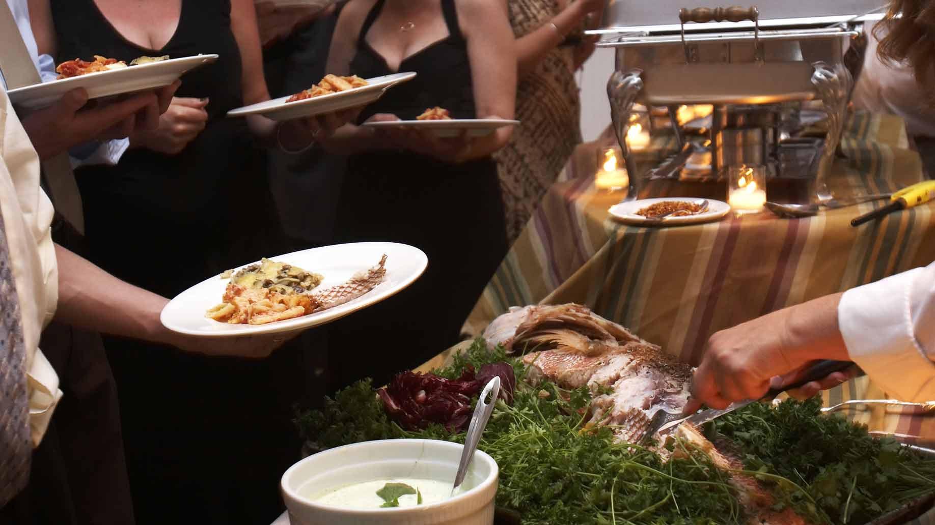 Wedding Dinner Ideas  23 Cheap Wedding Reception Food & Drink Menu Ideas on a Bud