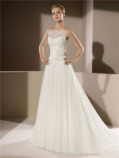 Wedding Dress With Spaghetti Straps  Elegant A Line Scalloped Neckline Low V Back Lace Tulle