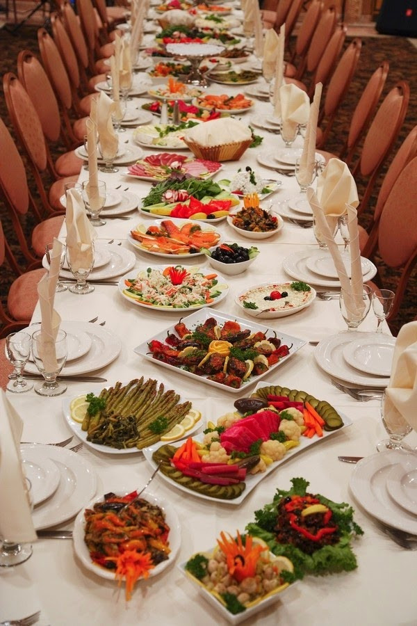 Wedding Reception Dinners  Trend Alert Family Style Reception Dining
