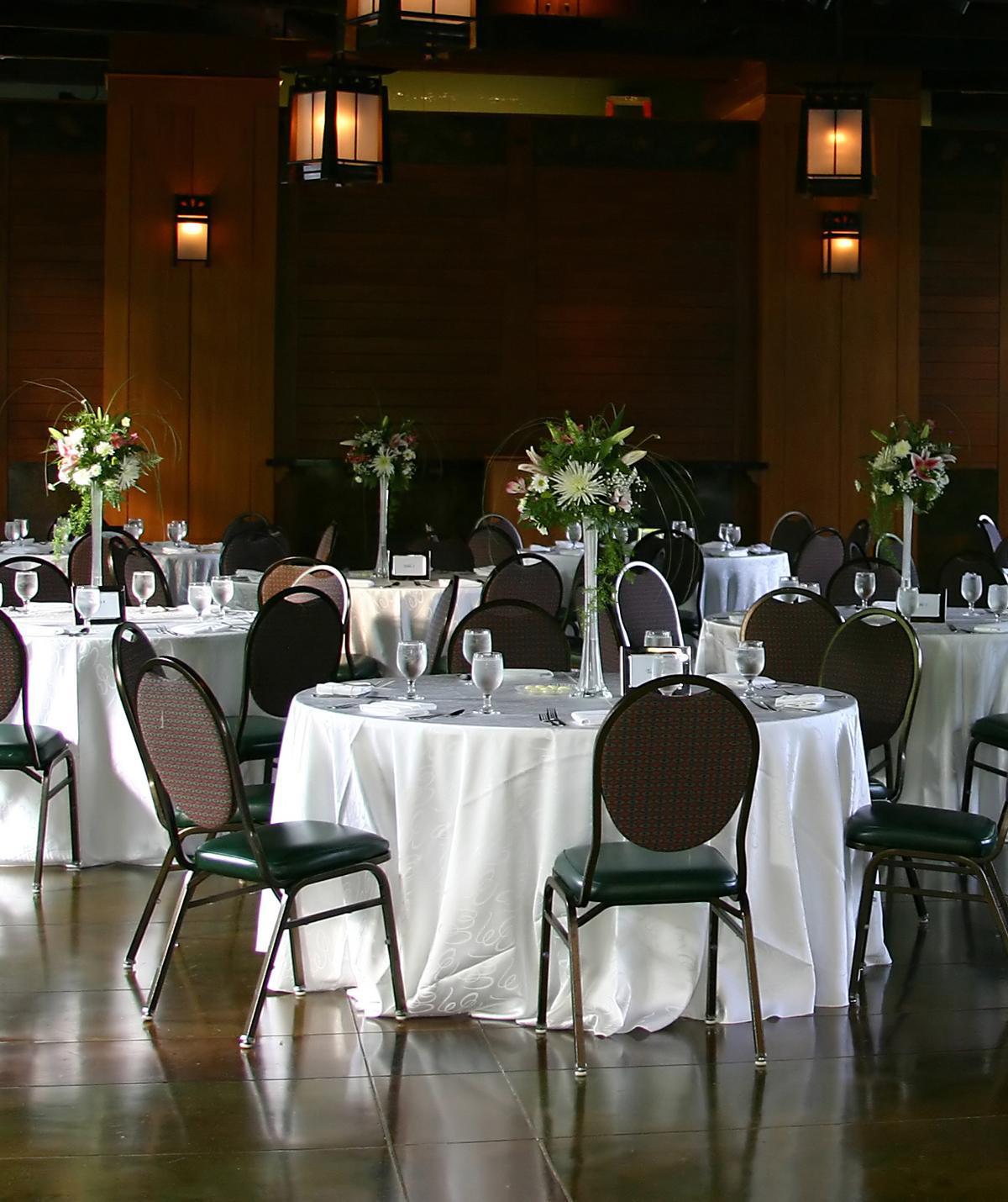 Wedding Rehersal Dinners  Wedding Rehearsal Dinner Etiquette