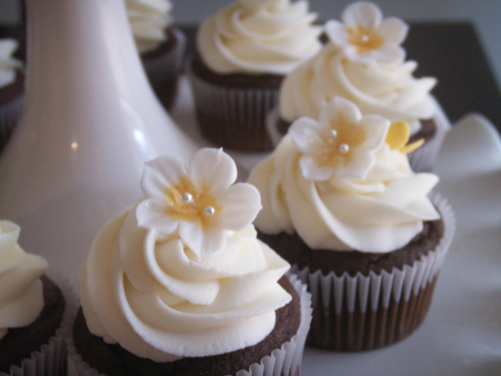 Wedding Shower Cupcakes  Bridal Shower Cupcakes
