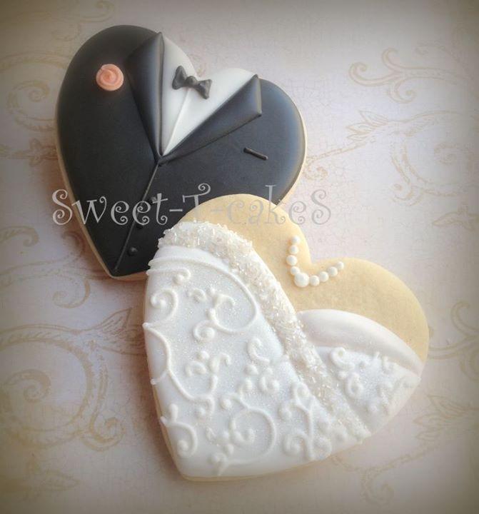 Wedding Sugar Cookies Decorating Ideas  bride and groom wedding cookies