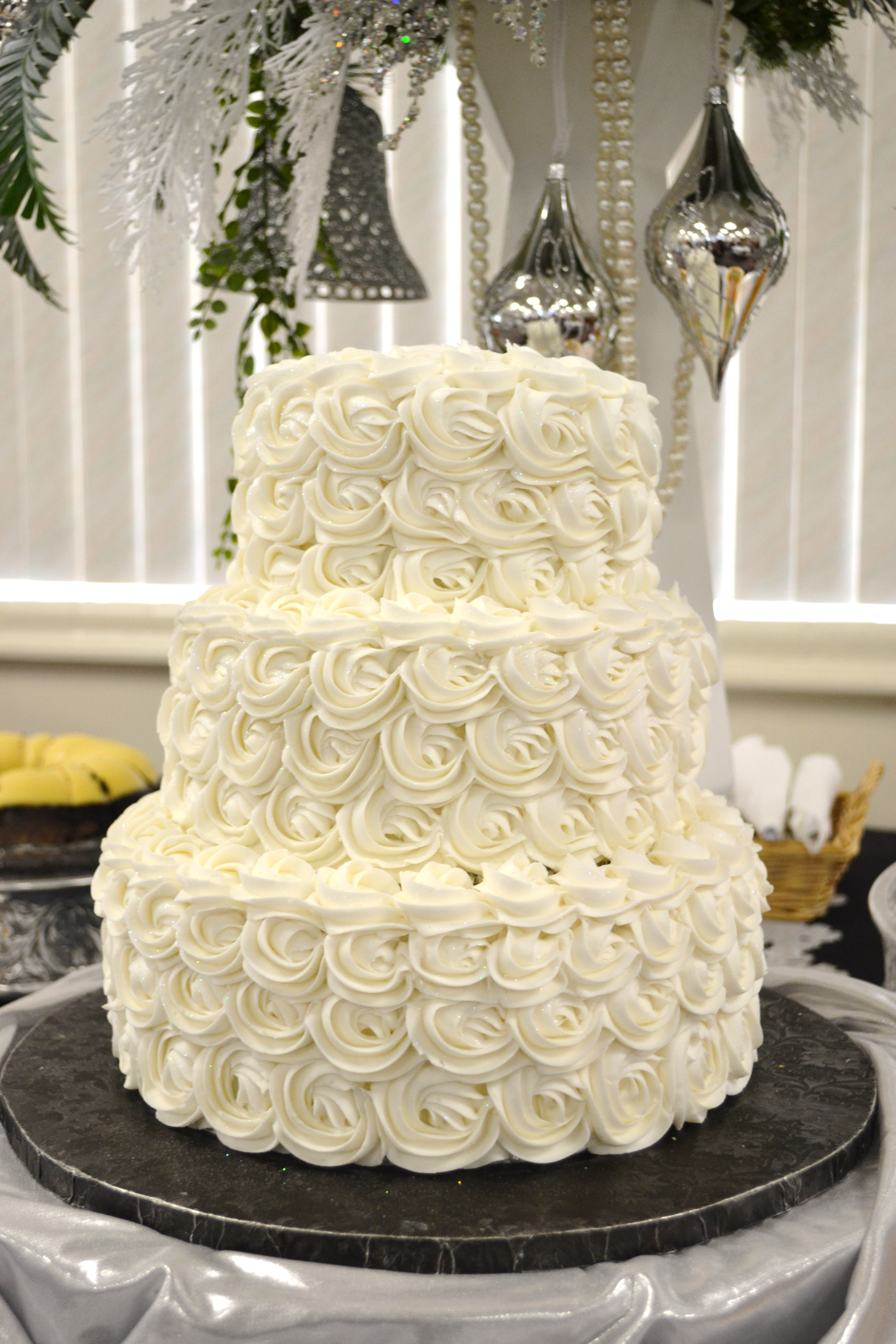 Wedding Tiered Cakes  3 tiered wedding cakes idea in 2017