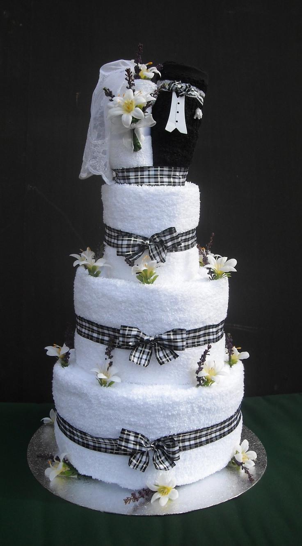 Wedding Towel Cakes Ideas  Bride And Groom Towel Cake Ideas