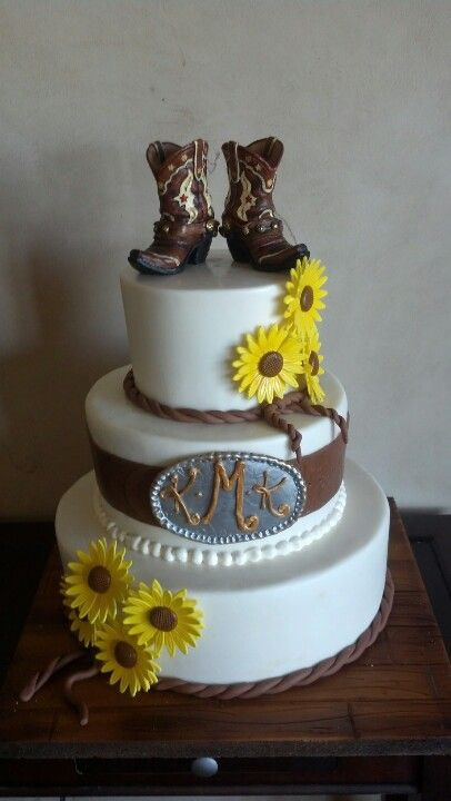 Western Themed Wedding Cakes  Best 25 Western wedding cakes ideas on Pinterest
