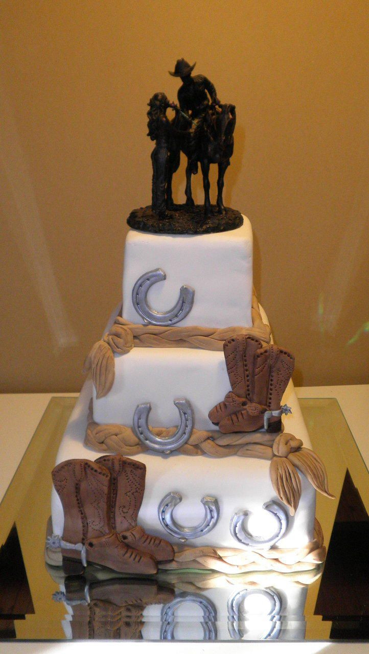 Western Wedding Cakes  country wedding cake Love the topper