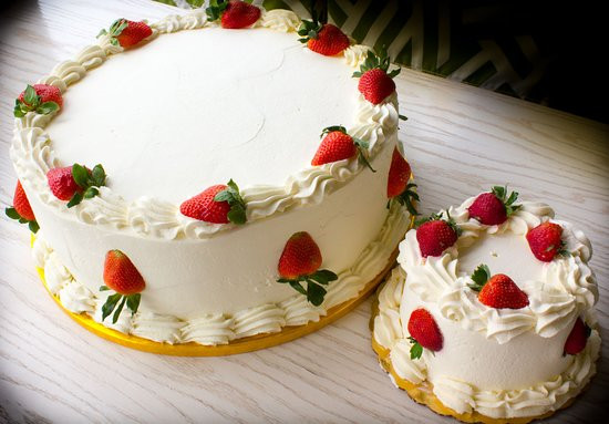 Wheatfields Strawberry Wedding Cake Recipe  Wheatfields Eatery & Bakery Omaha Menu Prices
