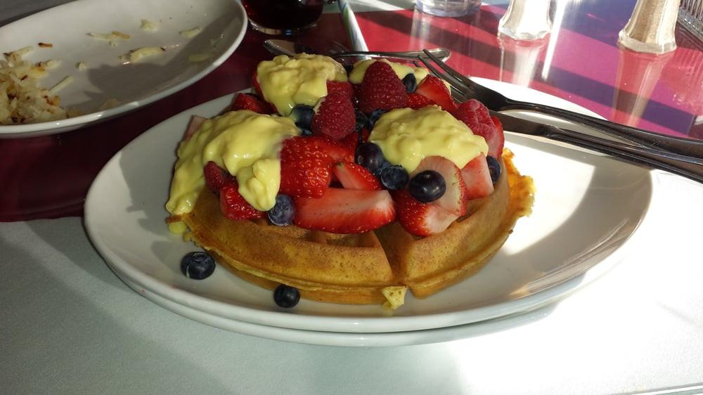 Wheatfields Strawberry Wedding Cake Recipe  Wheatfields Eatery and Bakery 61 s American