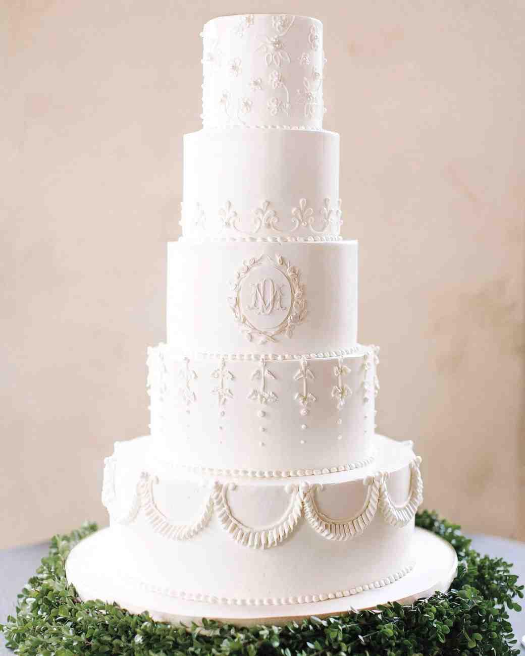 White On White Wedding Cake  Winter Wedding Cake Designs