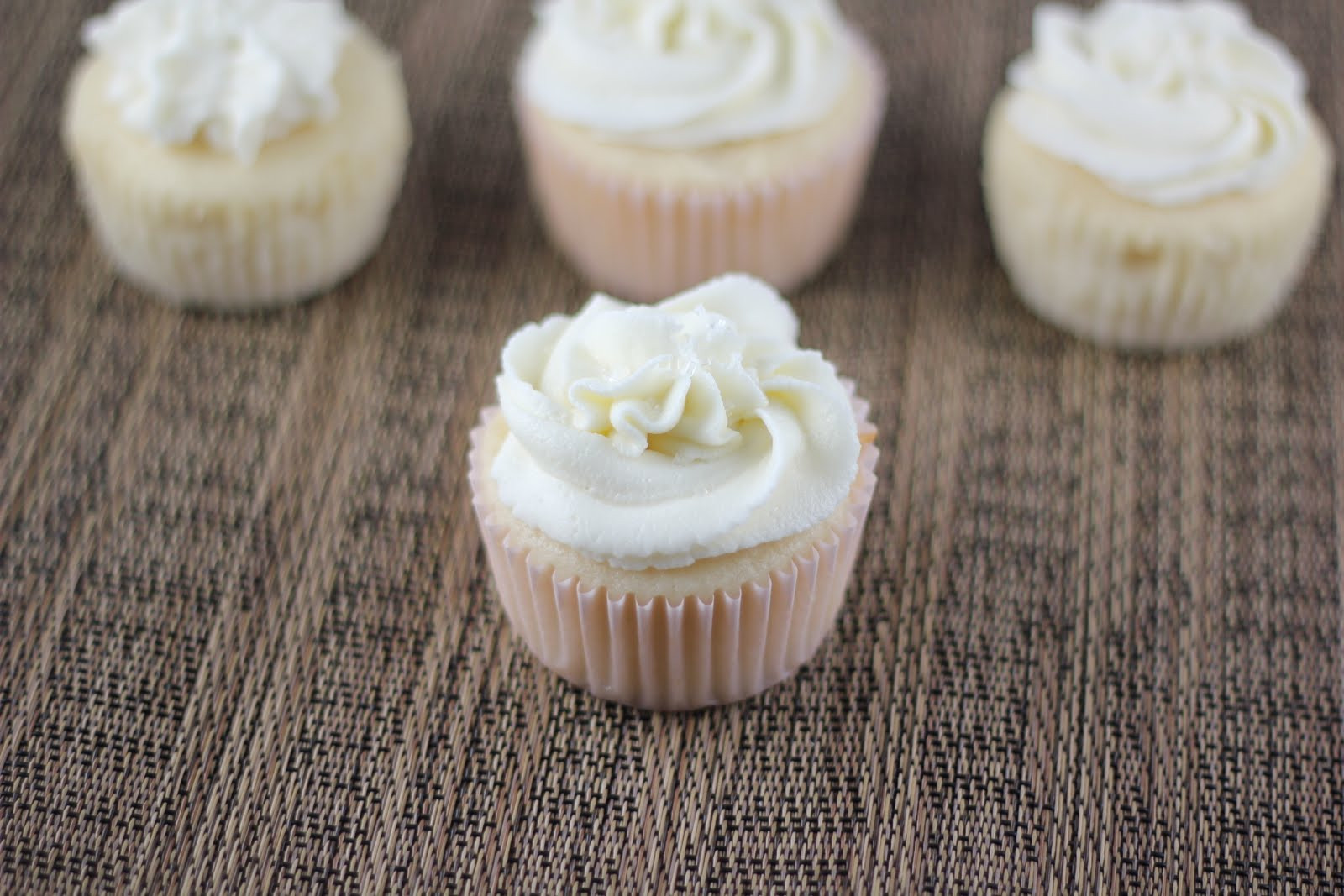 White Wedding Cake Cupcakes  White Wedding Cake Cupcakes A Zesty Bite