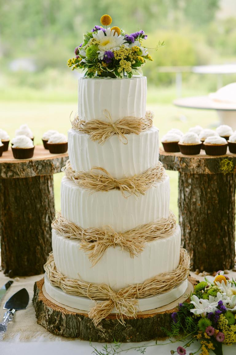 White Wedding Cake Frosting  7 Beautiful Buttercream Frosted Wedding Cakes crazyforus