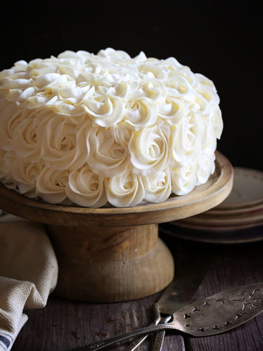 White Wedding Cake Frosting Recipes  White Layer Cake with Fudgy Brownie and Decorators