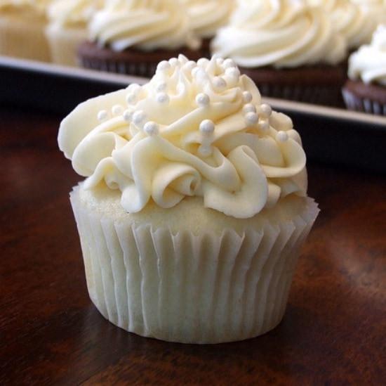 White Wedding Cake Frosting Recipes  White Wedding Cake Cupcakes Recipe Girl