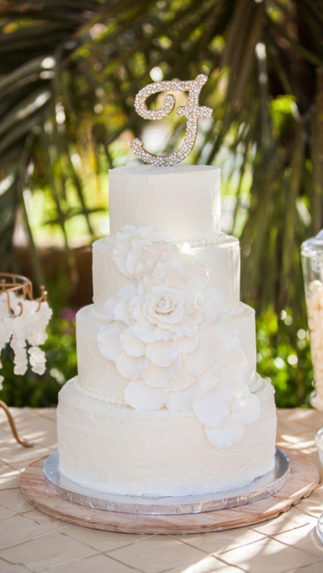 White Wedding Cake Icing  Vintage Shabby Chic White Wedding Cake Wedding Cake W