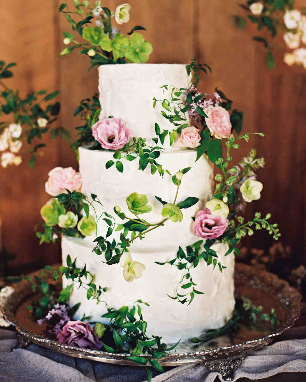 White Wedding Cake With Flowers  44 Wedding Cakes with Fresh Flowers