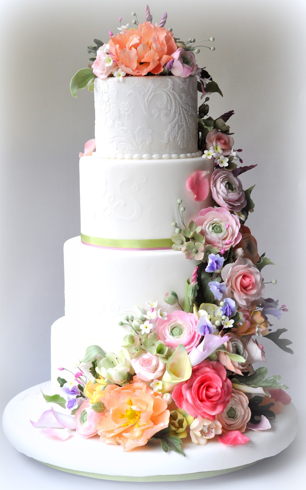 White Wedding Cake With Flowers  7 Gorgeous Reasons to Fall in Love With Spring Weddings