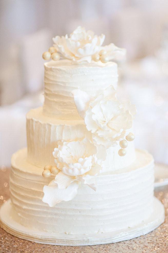 White Wedding Cakes  25 Amazing All White Wedding Cakes
