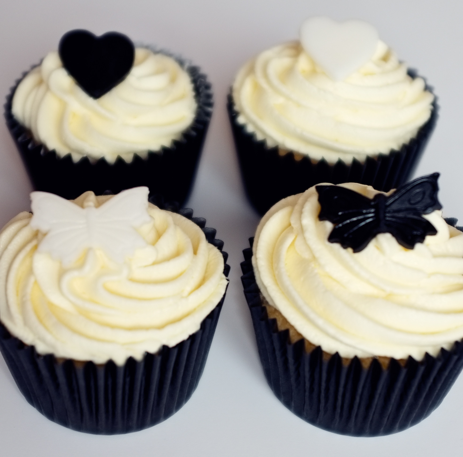 White Wedding Cupcakes  Black & White Wedding Cupcakes