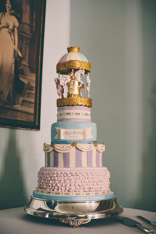 Who Makes Wedding Cakes  Amazing Wedding Cakes
