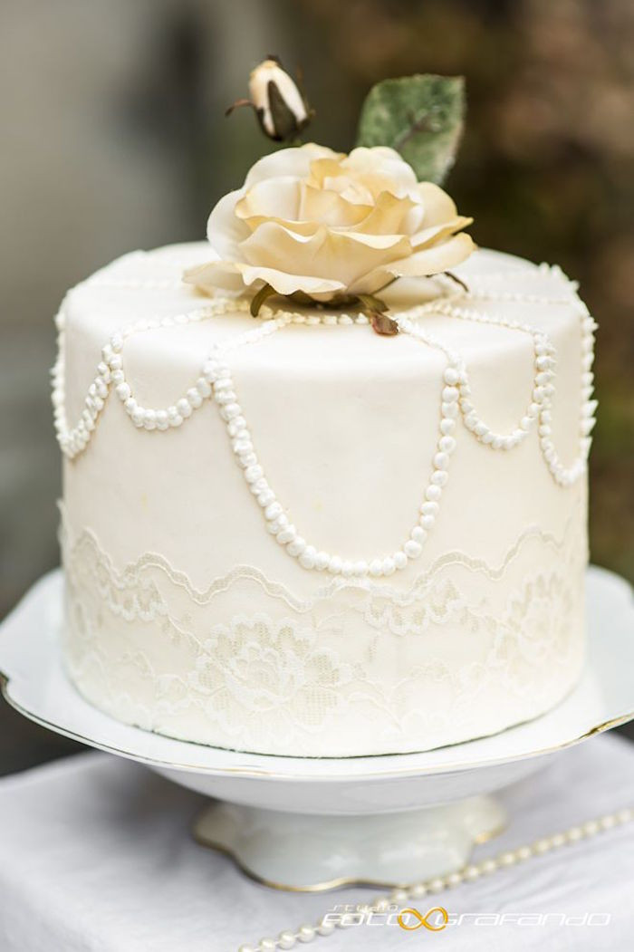 Who Makes Wedding Cakes  Simple Wedding Cakes Made to Inspire MODwedding
