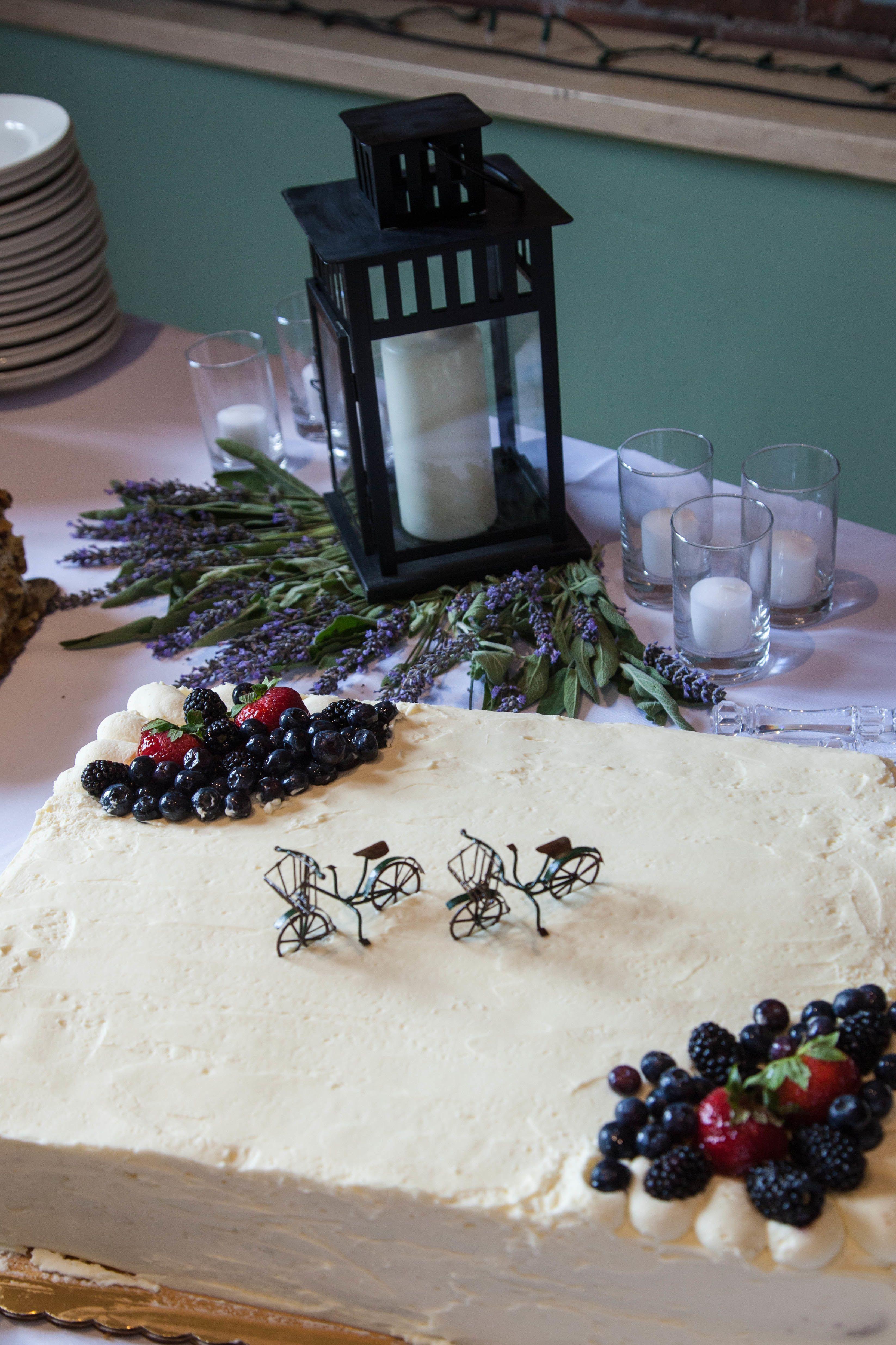 Whole Foods Wedding Cakes  Whole Foods Market White Wedding Cake