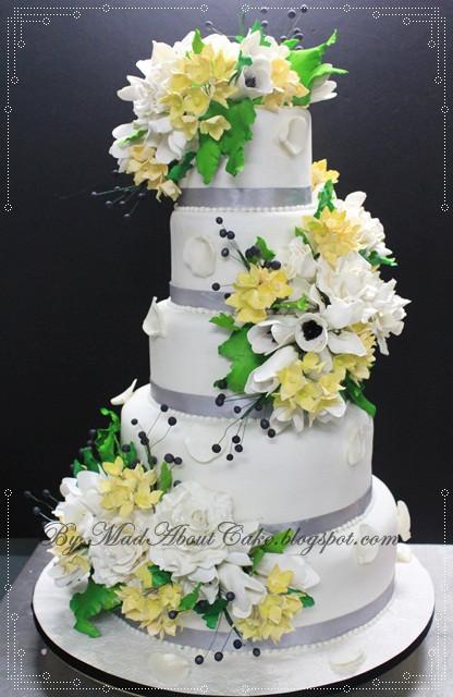 Wildflower Wedding Cakes  Uloaku s blog Sumptuous Plum from Martha Stewart Weddings