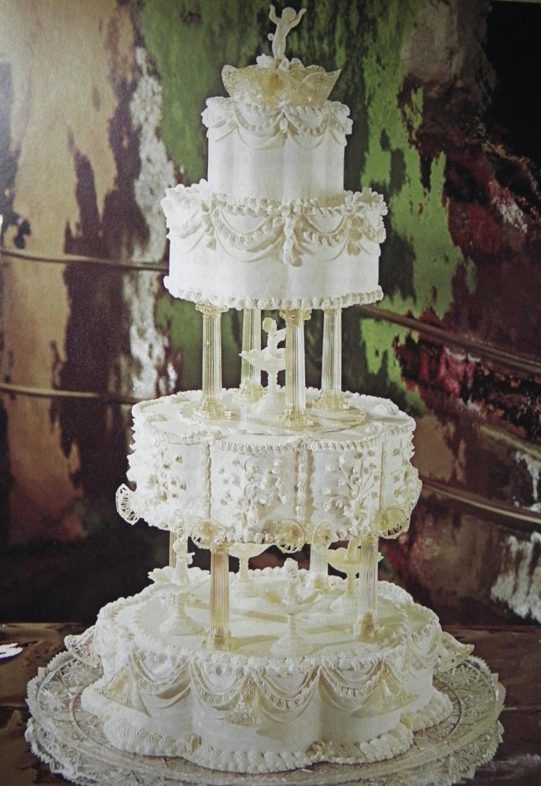 Wilton Wedding Cakes  Good Things by David Vintage Wilton Yearbook