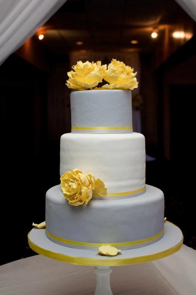 Yellow And Gray Wedding Cake  yellow and silver wedding