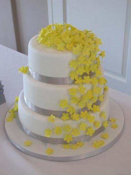 Yellow And Gray Wedding Cake  Mikayla s blog yellow and light blue themed weddings