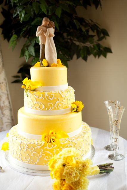 Yellow Wedding Cake  Wedding Cake Colors Mellow Yellow Marrying Later in Life
