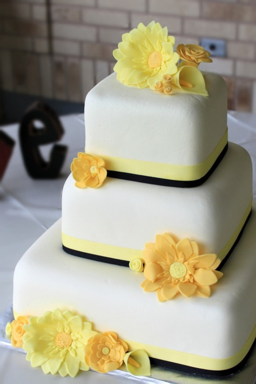 Yellow Wedding Cake  Wedding Ideas Blog Lisawola Top 5 Yellow Wedding Cake Ideas