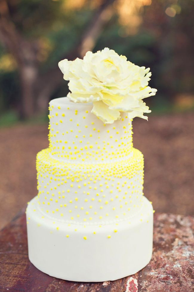 Yellow Wedding Cake  Wedding Colour Trends Anything But Mellow Yellow B&G Blog
