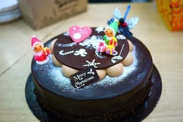 12 Days Of Christmas Cakes  12 Days of Christmas Day 5 Christmas Cakes Seoul Eats