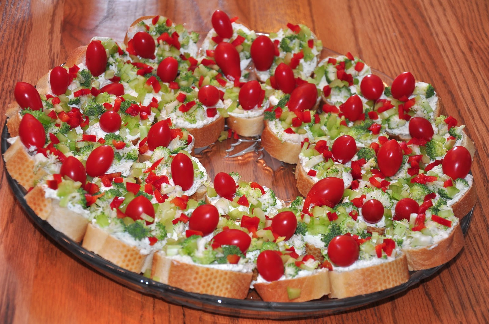 Appetizers For Christmas  The Changeable Table Red & Green Appetizer Wreath