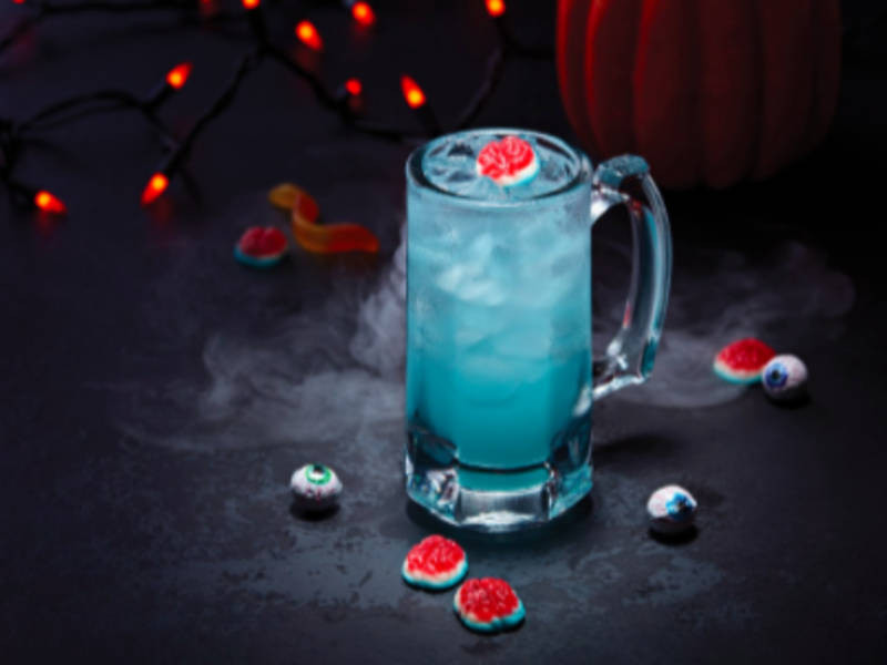 Applebees Halloween Drinks  Metro Detroit Applebee s fering $1 ZOMBIE Drink All