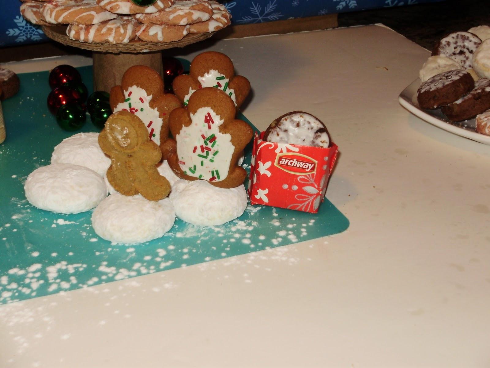 Archway Christmas Cookies  I LOVE your scene Chris So cute I kind of wish I had