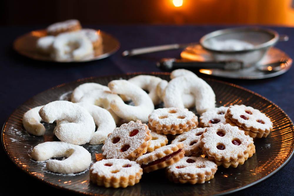 Austrian Christmas Cookies  Austrian Christmas Bakery Linzer Augen Linzer Cookies