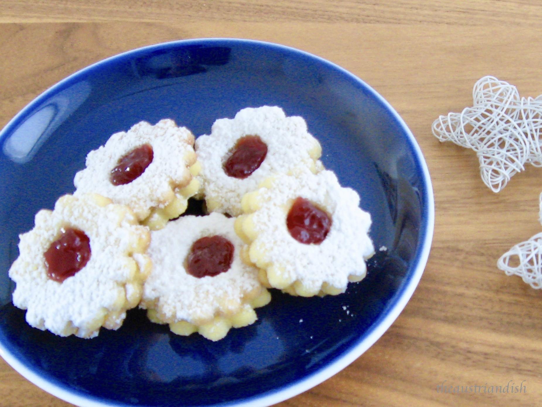 Austrian Christmas Cookies  Linzer Augen 3 – The Austrian Dish