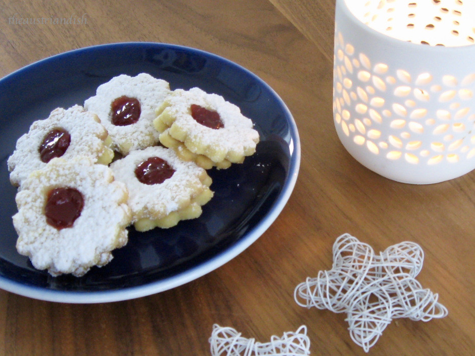 Austrian Christmas Cookies  Traditional Austrian Christmas Cookies Linzer Augen – The
