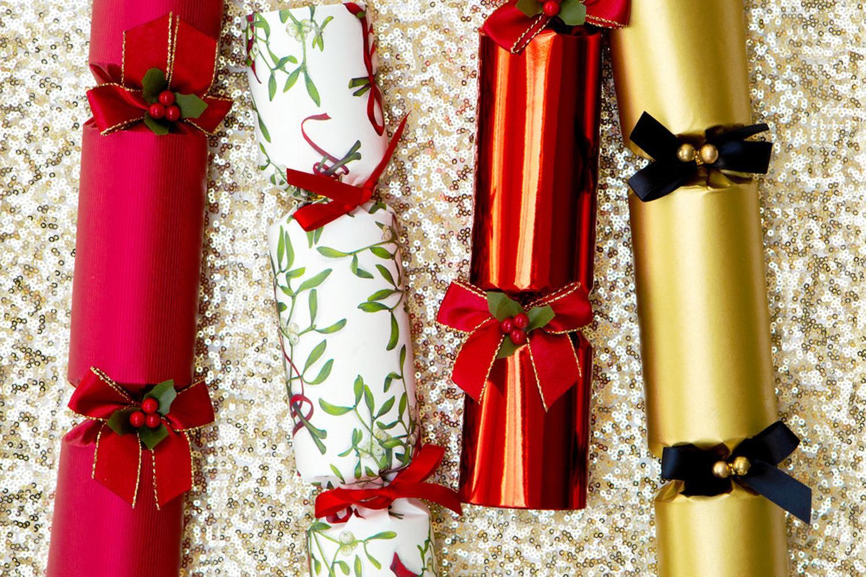 Best Christmas Crackers  Best Luxury Christmas Crackers 2018