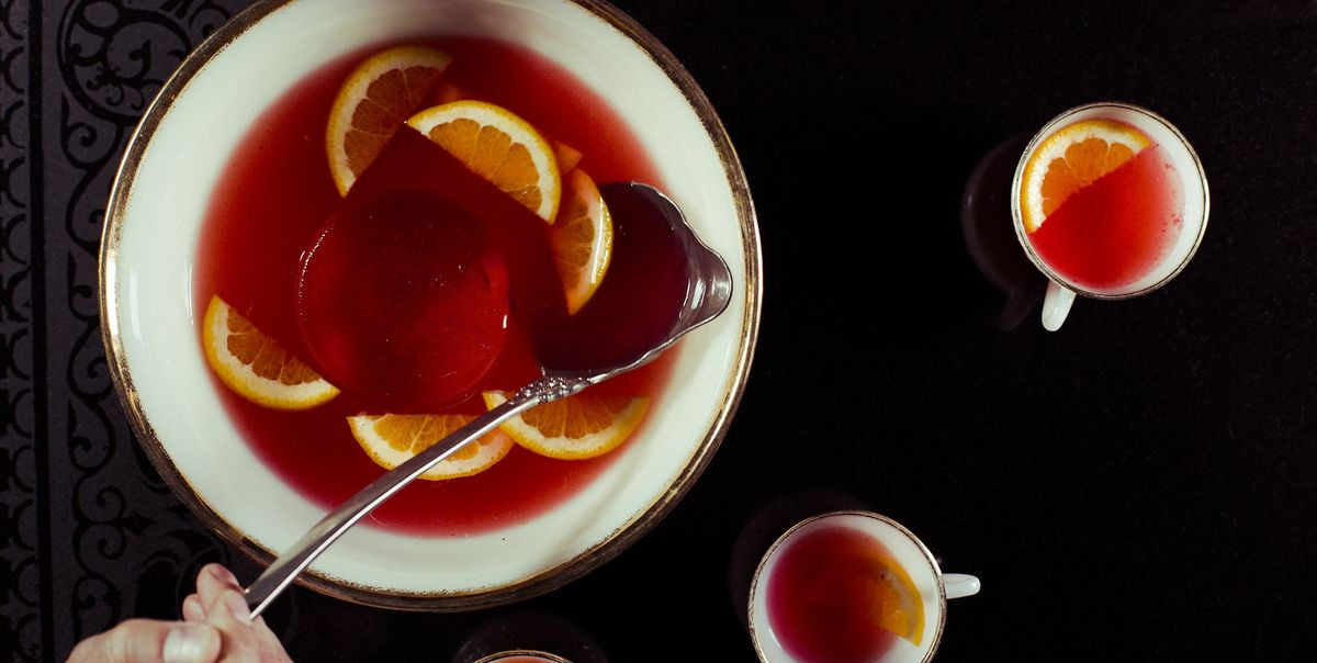 Best Thanksgiving Drinks  30 Best Thanksgiving Cocktails Easy Alcoholic Drinks