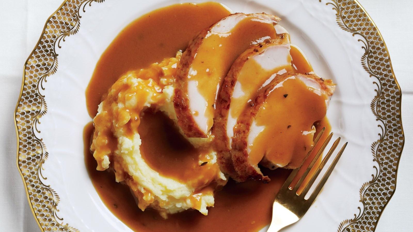 Best Thanksgiving Gravy Recipe  28 Best Turkey Gravy Recipes for Thanksgiving
